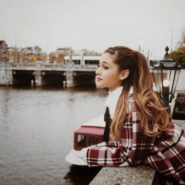 Inspiration – Outfits Ariana Grande