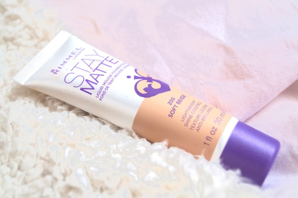 Review | Rimmel london stay matte foundation.