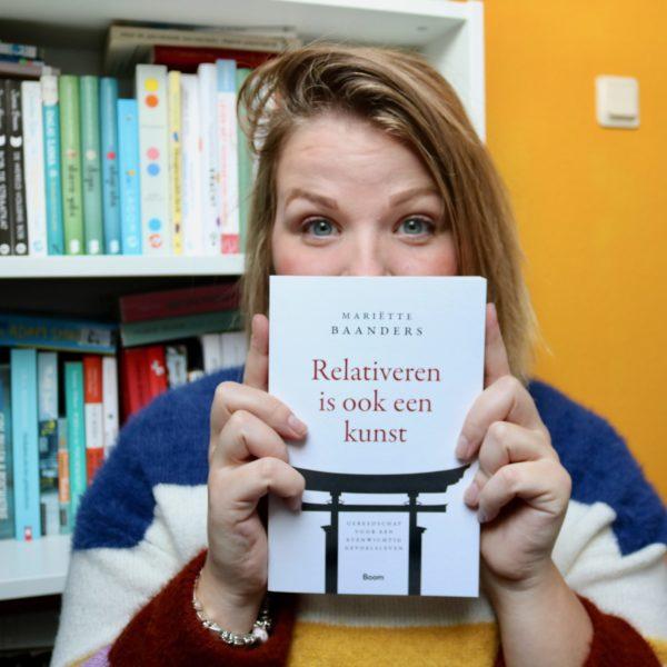 Leesvoer | relativeren is ook een kunst! + winactie