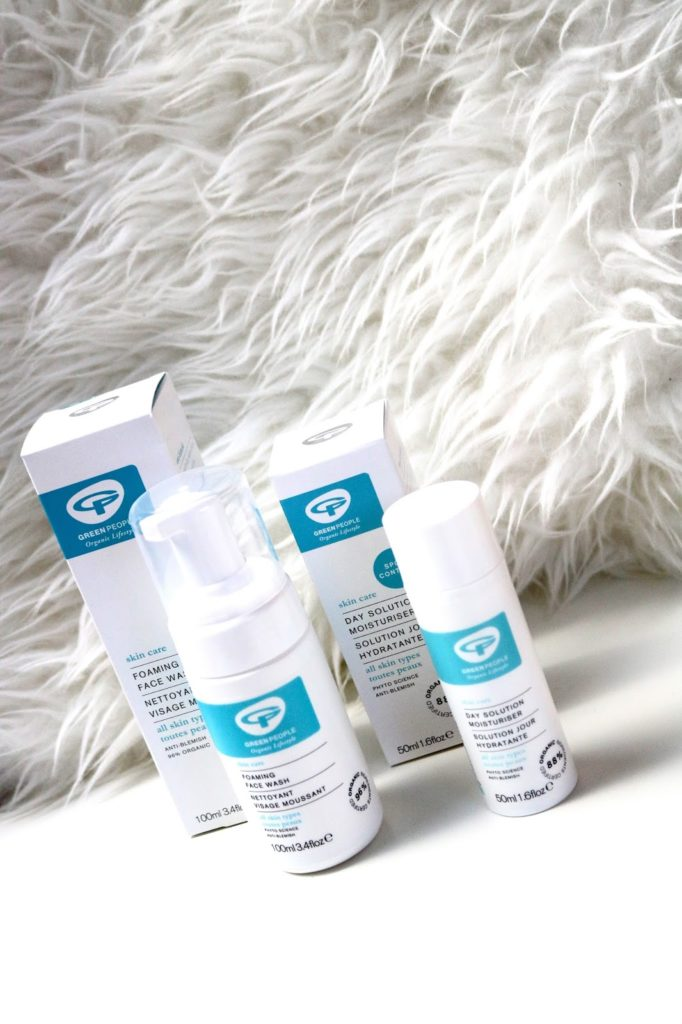 Review | Green People foaming face wash & day solution crème.