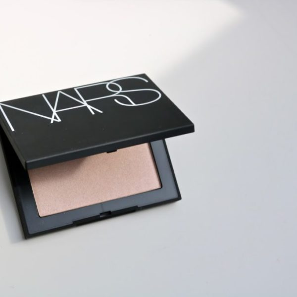 Review | NARS Capri Highlighting Powder