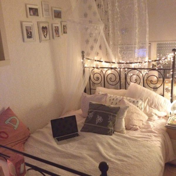 Gezellig sfeertje in mijn kamer.