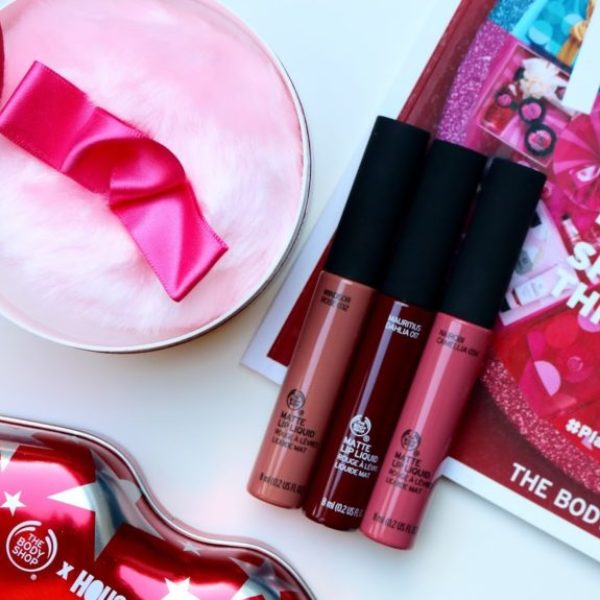 Review | The Body Shop matte liquid lipsticks & powder puff shimmer kerstcollectie.